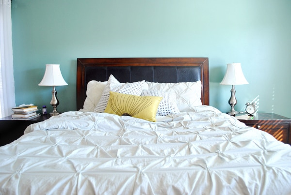 Why Making Your Bed Matters, According to a Navy SEAL